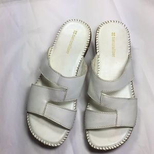 Naturalizer Sandals White size 7